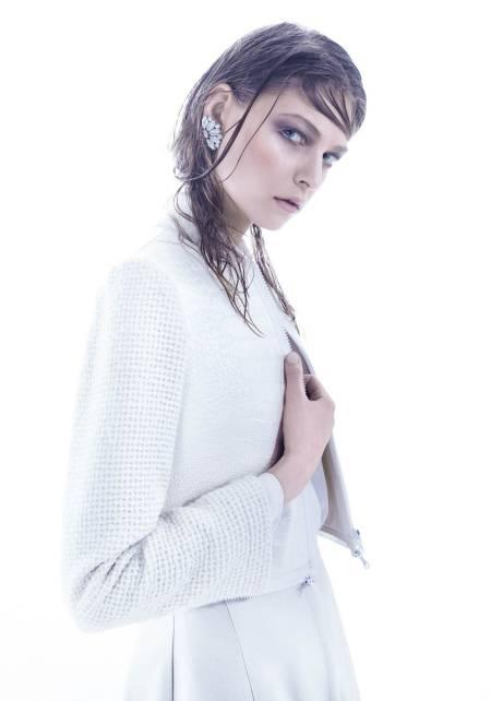 Sharp-edged white Cover
